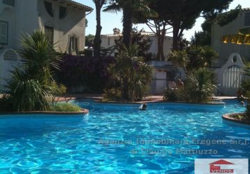 Splendida villa con piscina condominiale