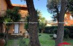Villa Bifamiliare con giardino
